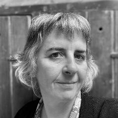 Niamh McGuinne Headshot